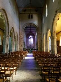 ด้านในโบสถ์ Église Saint-Melaine