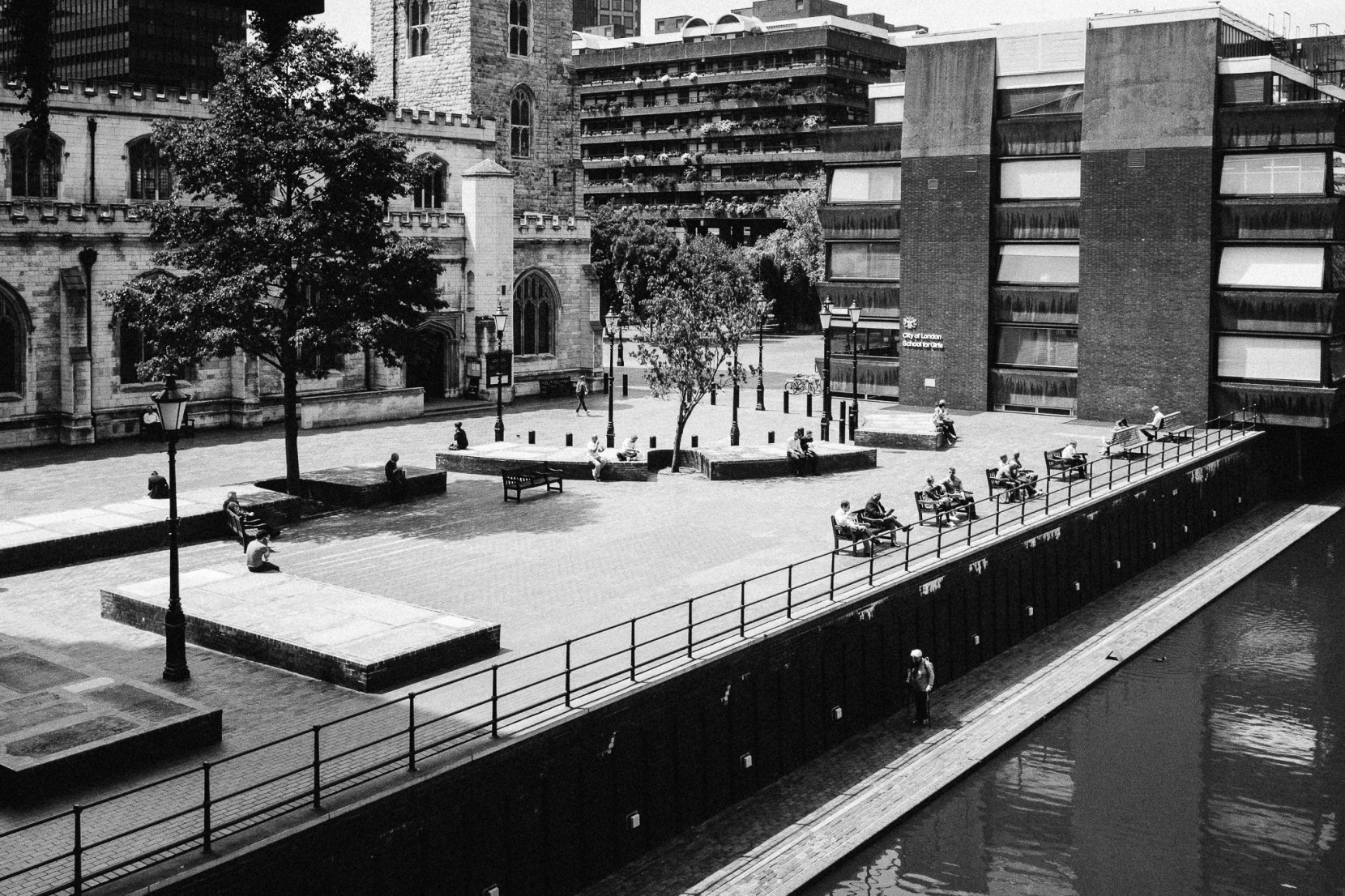 london-barbican-2077-pete-carr