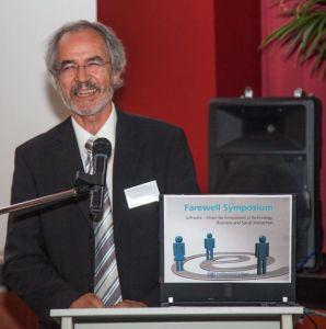 Prof. Dr. Bernd Krämer auf seinem Verabschiedung (Farewll Symposium 2002 in Hagen), wo auch meine Frau und ich teilgenommen haben