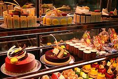 dessert buffet photo