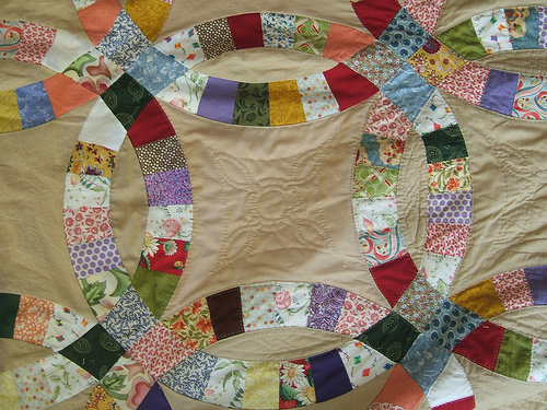 Wedding ring quilt