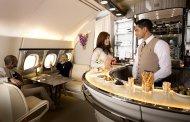 Emirates lanserer ny bar ombord i deres A380 superjumbo