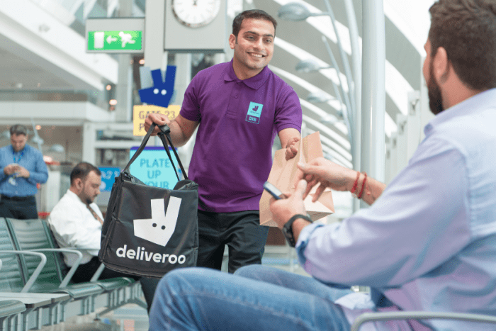 Ny tjeneste ved Dubai Airport – Deliveroo