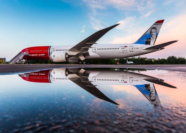 Norwegian med Norwegian selger fly