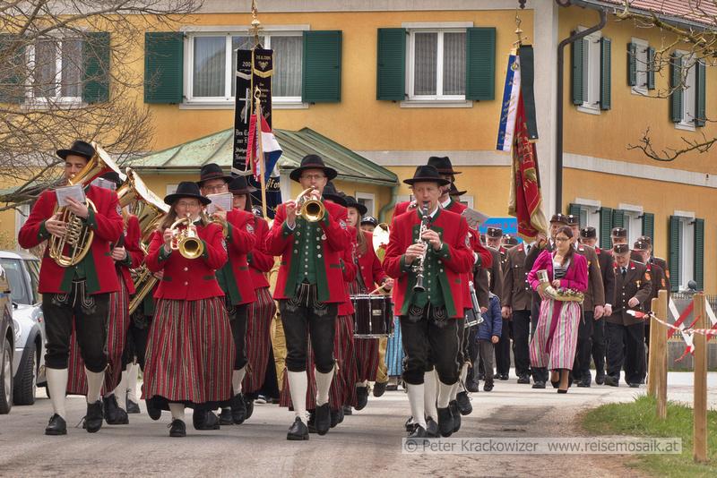Florianifeier in Pfongau - Trachtenmusikkapelle Neumarkt am Wallersee