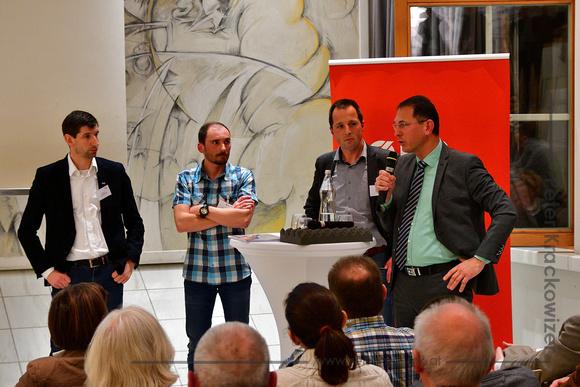 Der Neumarkter Bürgermeister DI Adi Rieger am Mikrofon.