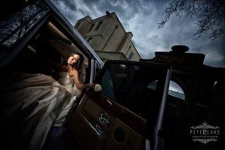 italian wedding photographer Sopwell house - bride in car