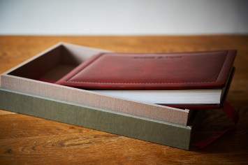 Customised Luxury albums brown leatherette