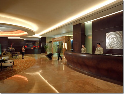 Traders-Hotel-Singapore-Lobby
