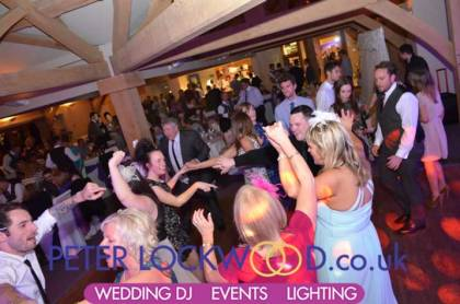wedding-guests-dancing-in-the-white-hart-saddleworth