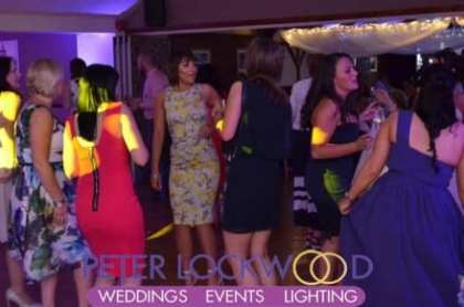 stables-country-club-wedding-guests-dancing
