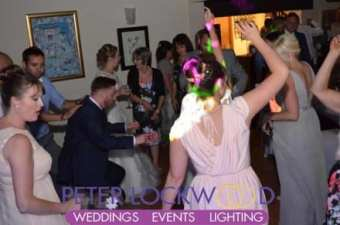 The-Joshua-Bradley-wedding-guests-dancing