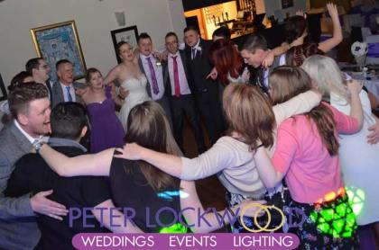 The-Joshua-Bradley-wedding-guests-dancing-the-night-away