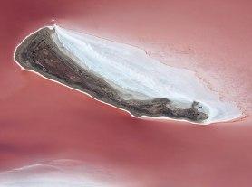Silcrete Island - Lake Eyre