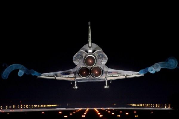 final landing of shuttle | PeteCrow / NASA