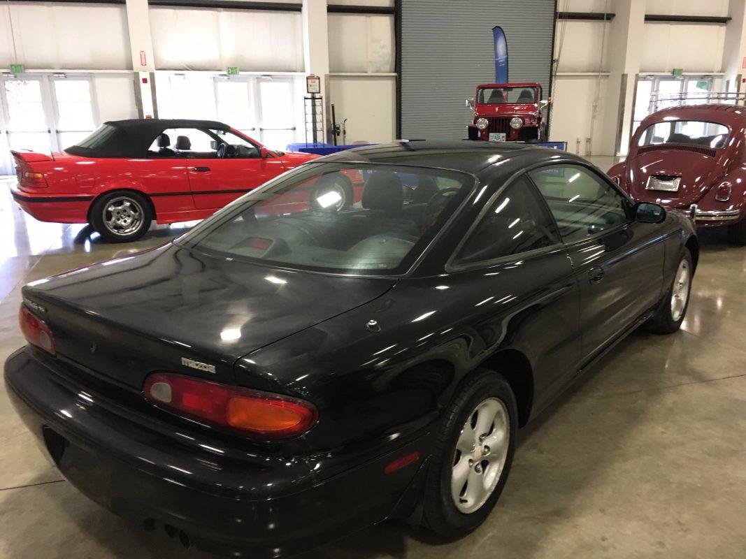 Lot 9 .    1993 Mazda MX6
