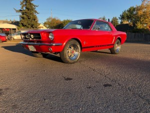 1965 Ford Mustang Red/Black