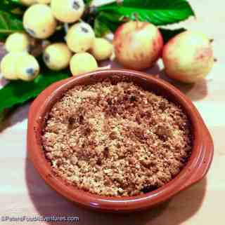 Delicious Loquat Apple Crumble Recipe