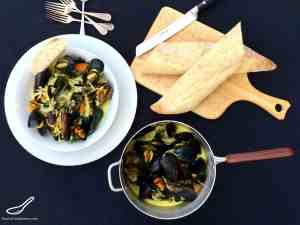 Mussels in a Creamy White Wine Sauce with crust bread