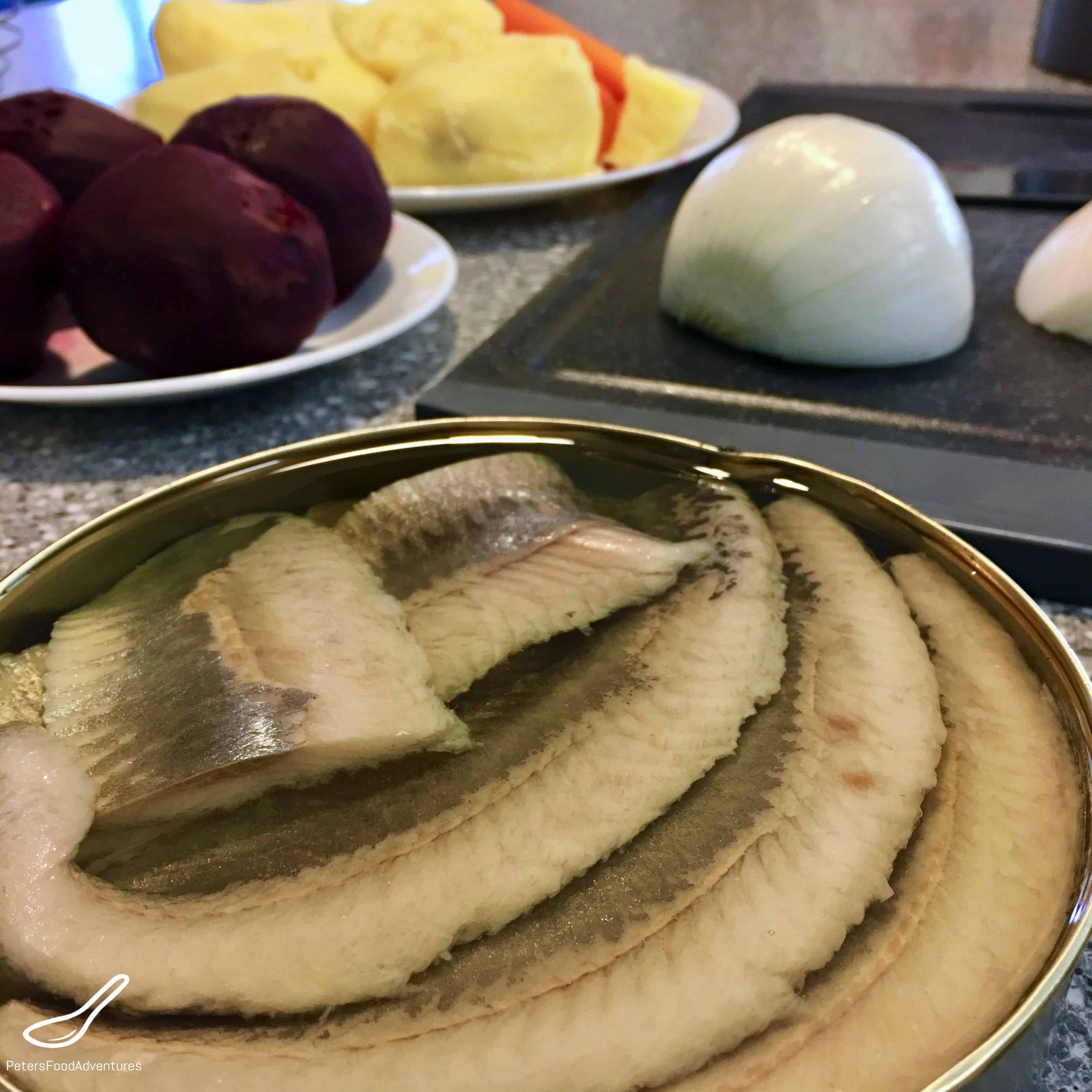 How beautiful to cook a classic herring under a fur coat. 5 recipes of herring under the fur coat for the holiday table 40