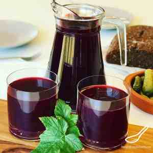 A delicious homemade black currant juice from pressed blackcurrants and cranberries called a Mors Drink. Enjoyed in Russia for over 500 years. Full of vitamins and antioxidants. Nothing beats homemade juice! Homemade Blackcurrant Juice (Mors Drink)