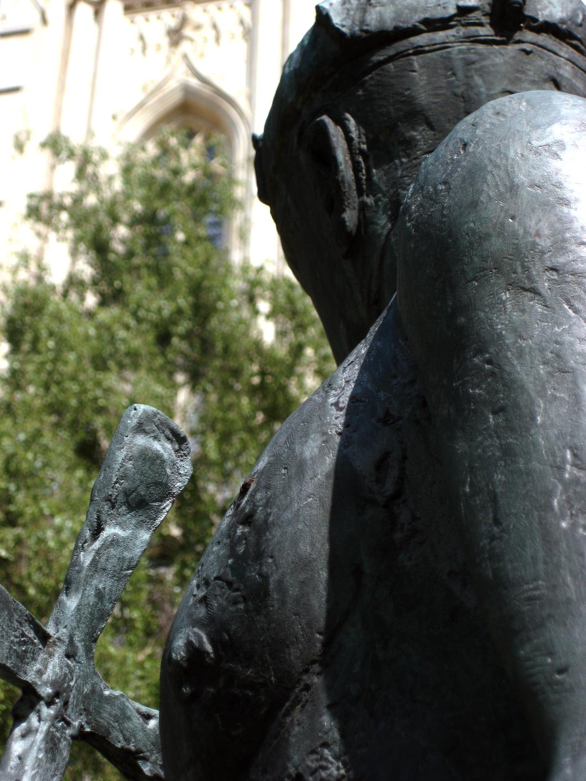 Statue of St. Edmund