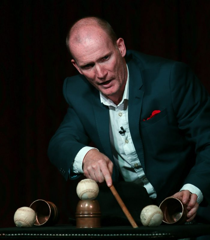 Cabaret Magician - Cups & Balls