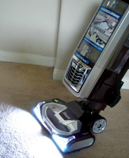 Shark Rotator Powered Lift-Away LED lights