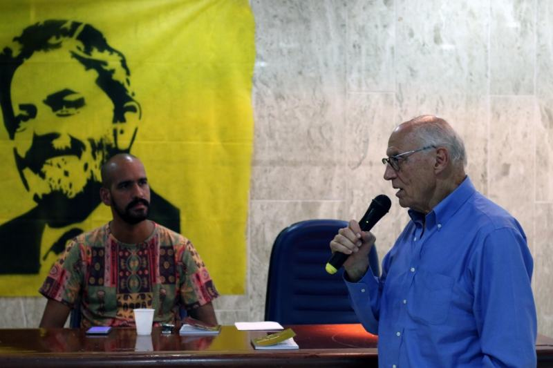 Eduardo Suplicy, vereador do PT-SP discursa