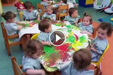Els nostres peques, l'aigua i la pintura