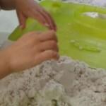 Peindre, modeler, manipuler: sable magique