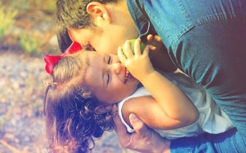Dire à son enfant qu'on l'aime