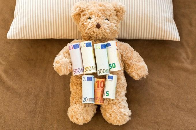 ours en peluche avec billets