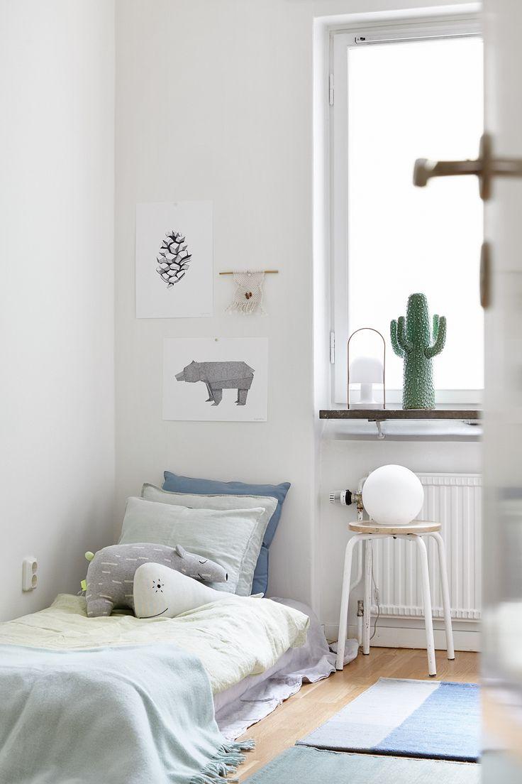 White, Simple, Beautiful Kid's Rooms - Petit & Small on Beautiful Small Room  id=24973