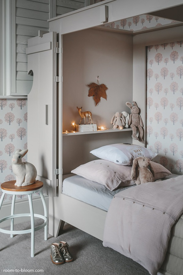 Charming Girl's Room - Petit & Small on Girls Bedroom Ideas For Very Small Rooms  id=11211
