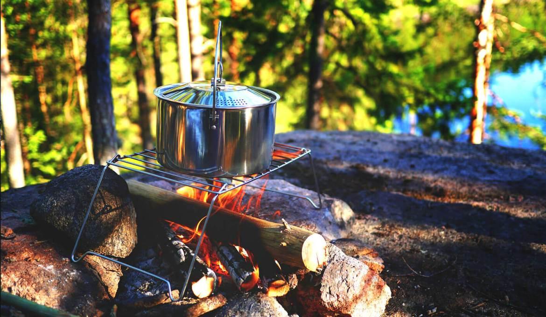 Organiser des repas pour la famille en camping