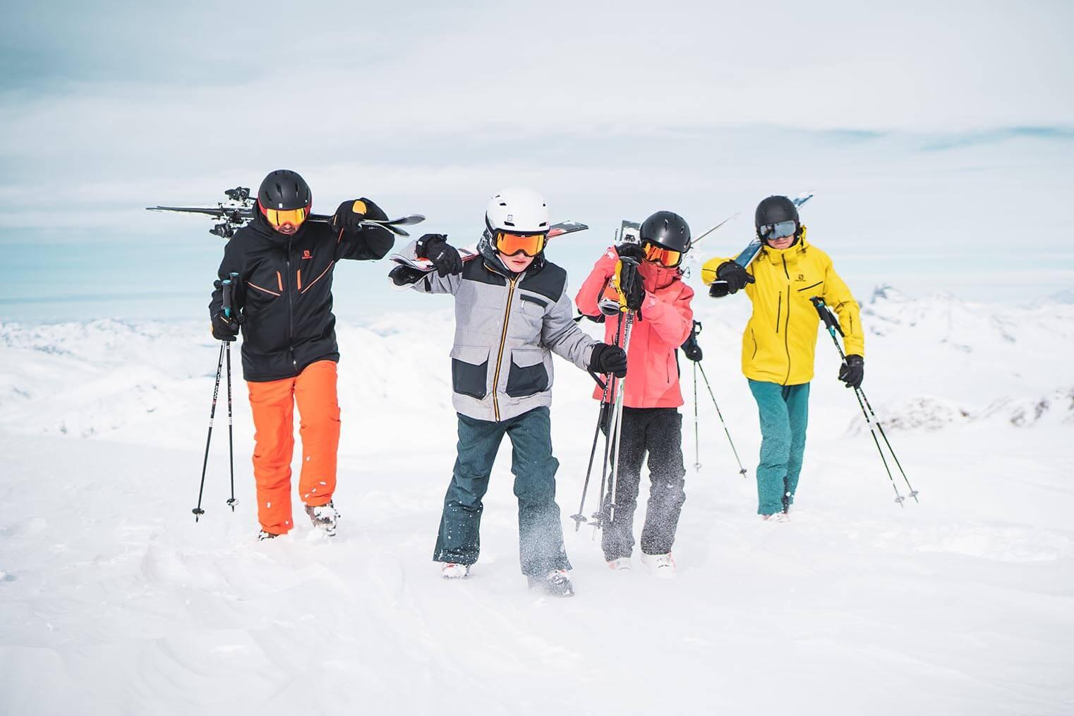 Famille sur le glacier aux Deux ALpes ©Luka Leroy / OT les Deux Alpes