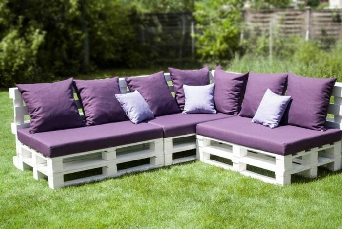 canape de jardin en palette de bois canap palettes. Black Bedroom Furniture Sets. Home Design Ideas