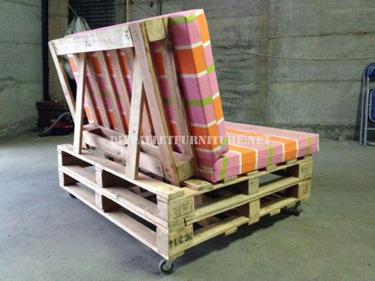 canapé palette avec dossier incliné