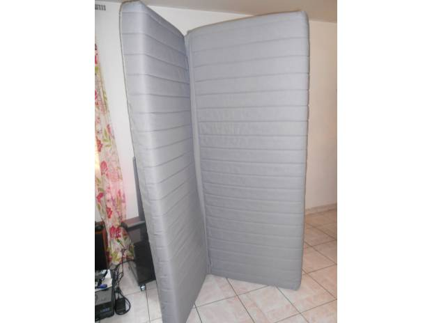 matelas clic clac ikea canap palettes. Black Bedroom Furniture Sets. Home Design Ideas