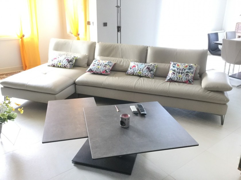 roche bobois occasion canap palettes. Black Bedroom Furniture Sets. Home Design Ideas