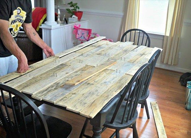 comment faire une table avec des palettes