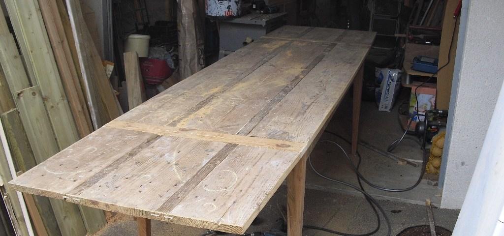 fabriquer une table en bois de palette