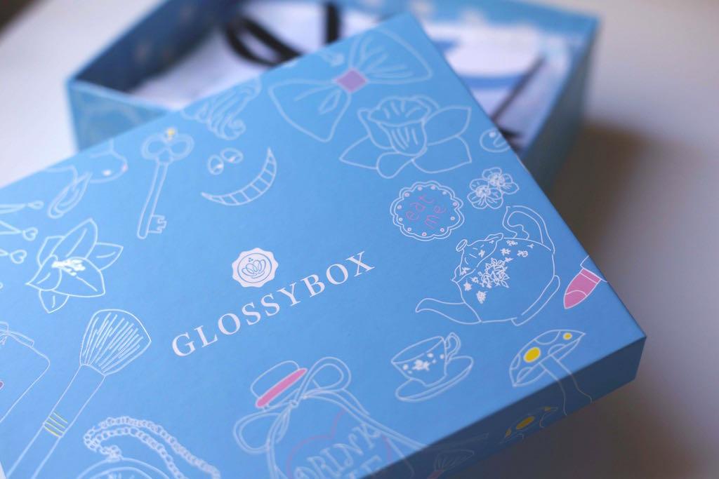 glossy-box-alice-in-wonderland 01