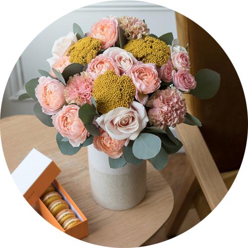 bergamotte-livraison-fleurs-cala-saona-bouquets-vase-fêtes-des-grands-mères