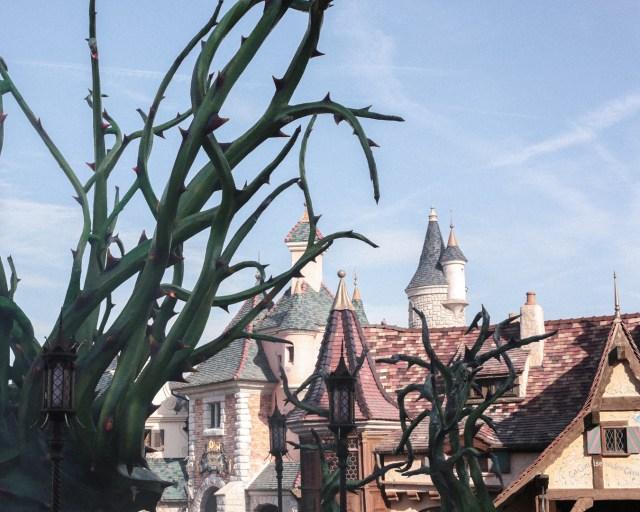 disneyland-resort-paris-festival-halloween-2019-are-you-brave-enough-fantasyland-roncier-malefique