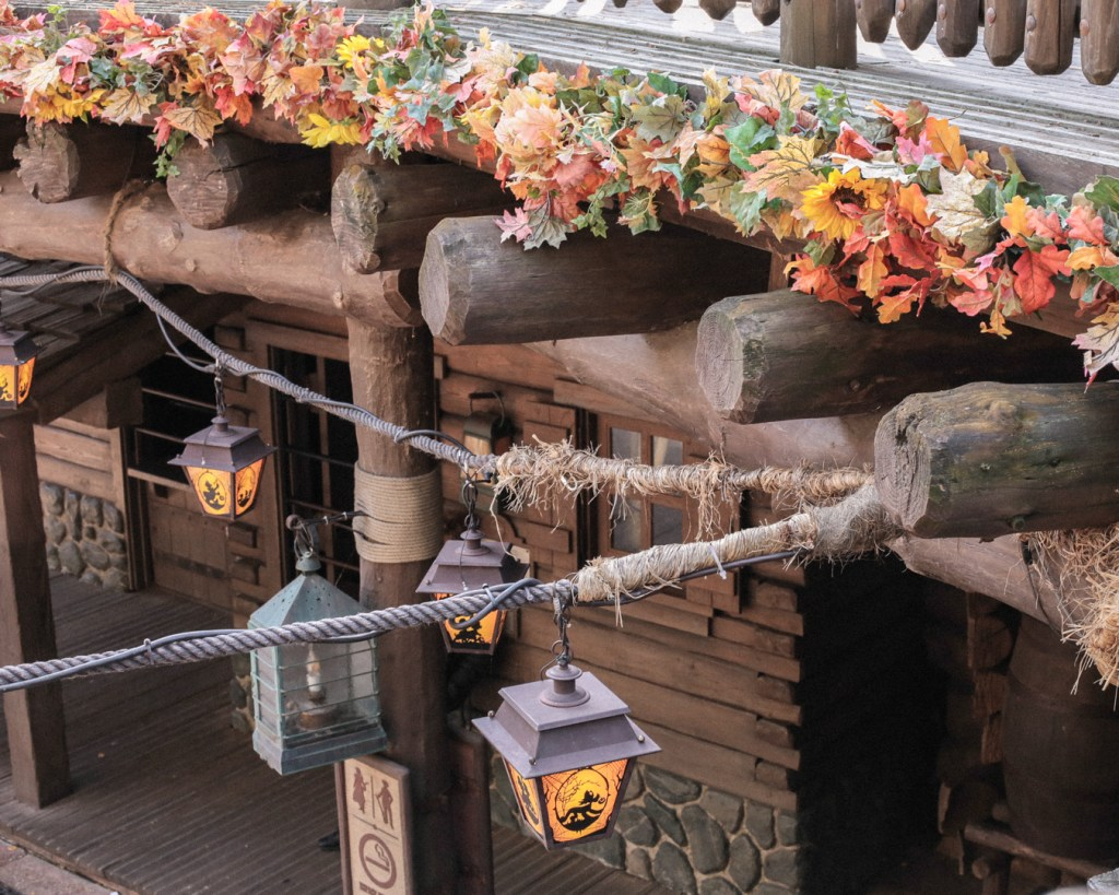 disneyland-resort-paris-festival-halloween-2019-are-you-brave-enough-frontierland