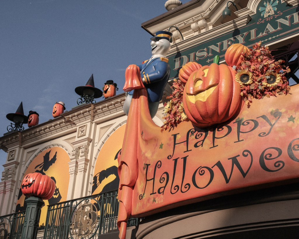 disneyland-resort-paris-festival-halloween-2019-are-you-brave-enough-main-street