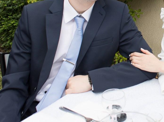 tenue-homme-bapteme-chic