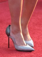 scarlet-johansen-shoe-Iron-Man2